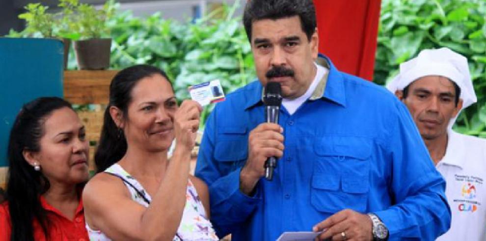 Gobierno venezolano pide suspender sesión de la OEA