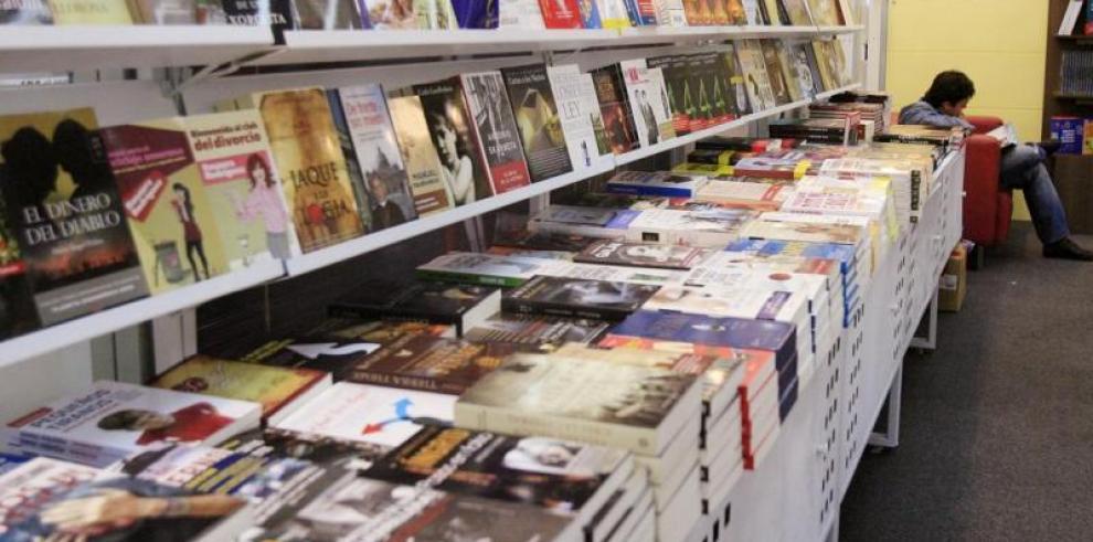 Colegios privados piden a editoras y librerías evitar las ventas atadas