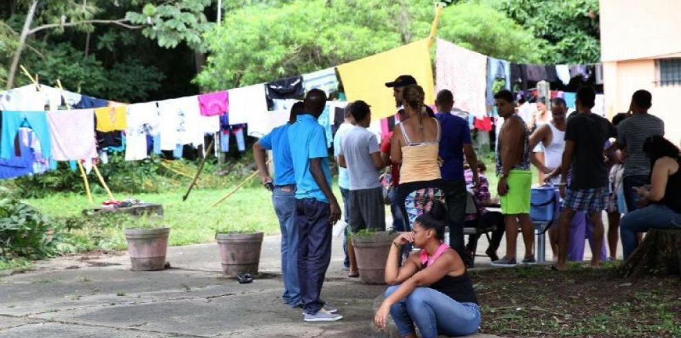 Varela da plazo de un mes para cierre de albergue de cubanos