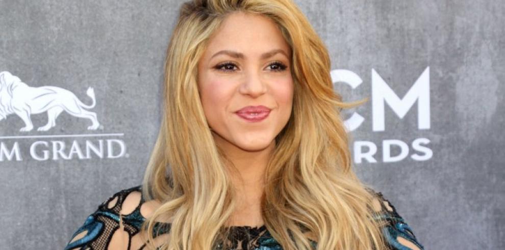 Shakira salpicada en los de escándalos de los