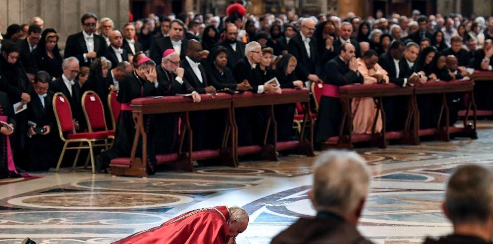 Papa Francisco conmemora la Pasión de Cristo