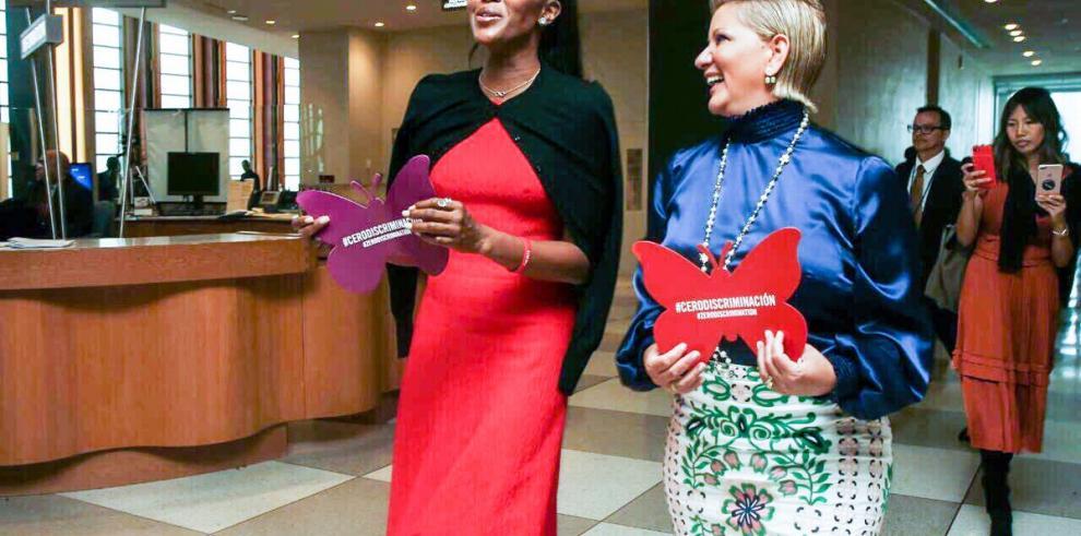 Naomi Campbell apoya causa de Lorena Castillo contra la discriminación