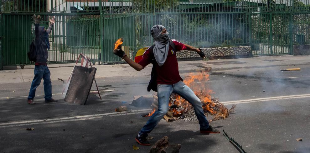 Venezuela: Suman dos fallecidos en manifestaciones opositoras y oficialistas