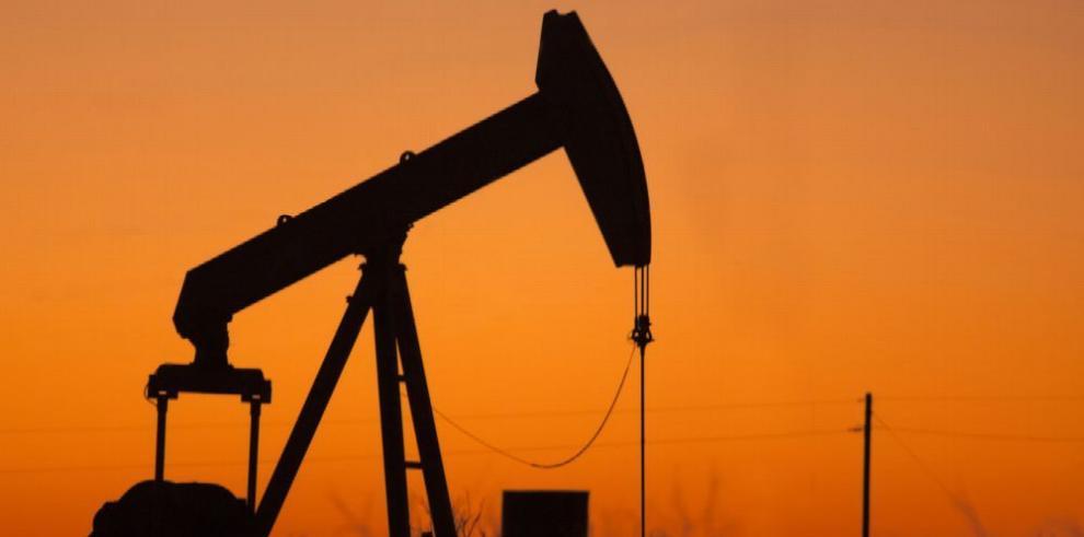 El petróleo de Texas terminó jornada en $52.41 el barril