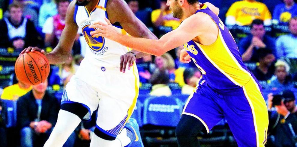 Warriors se llevan a Kevin Durant en gira Oklahoma City