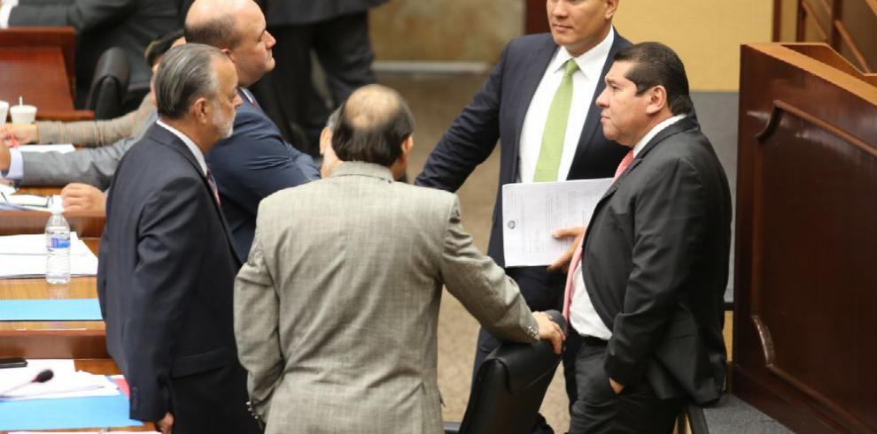 Varela y 'Mimito' omiten información al Tribunal Electoral