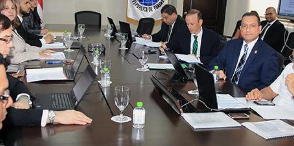 CENA avala fondos para la Comisión que esclarecerá hechos de la invasión de 1989