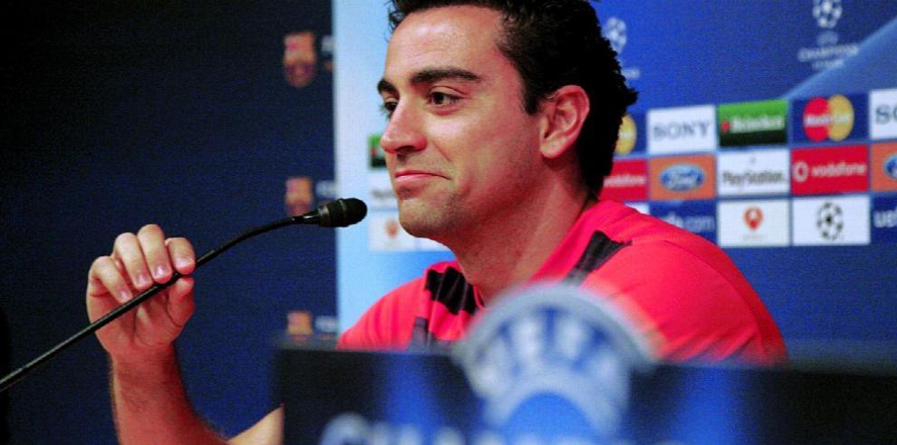 Xavi celebra con gol