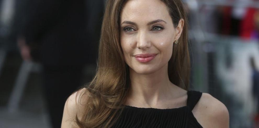 Angelina Jolie es cara de perfume