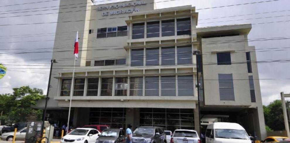 Grupo de panameños convoca protesta contra el director de Migración