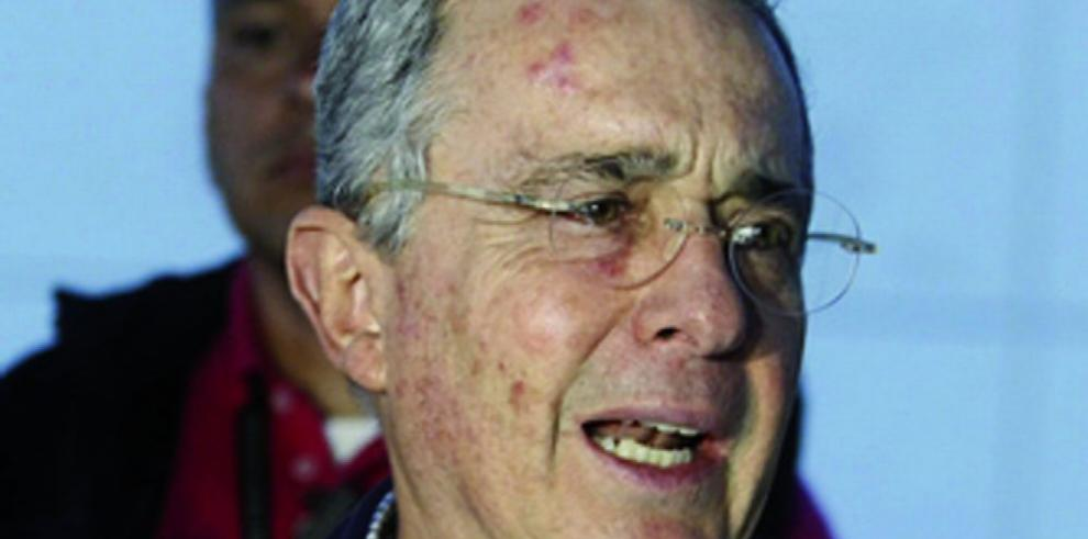 Álvaro Uribe, en el ojo de la tormenta