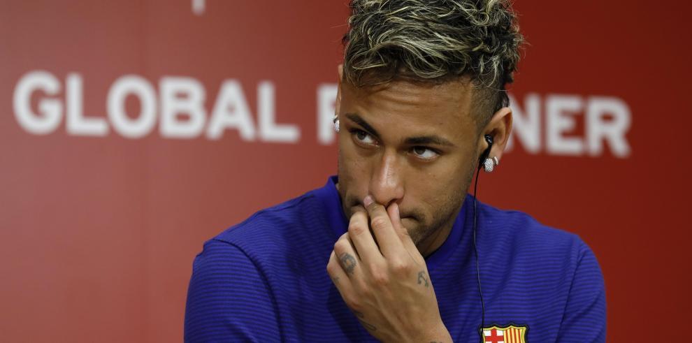 PSG pagará la cláusula de rescisión de Neymar, afirma televisión brasileña