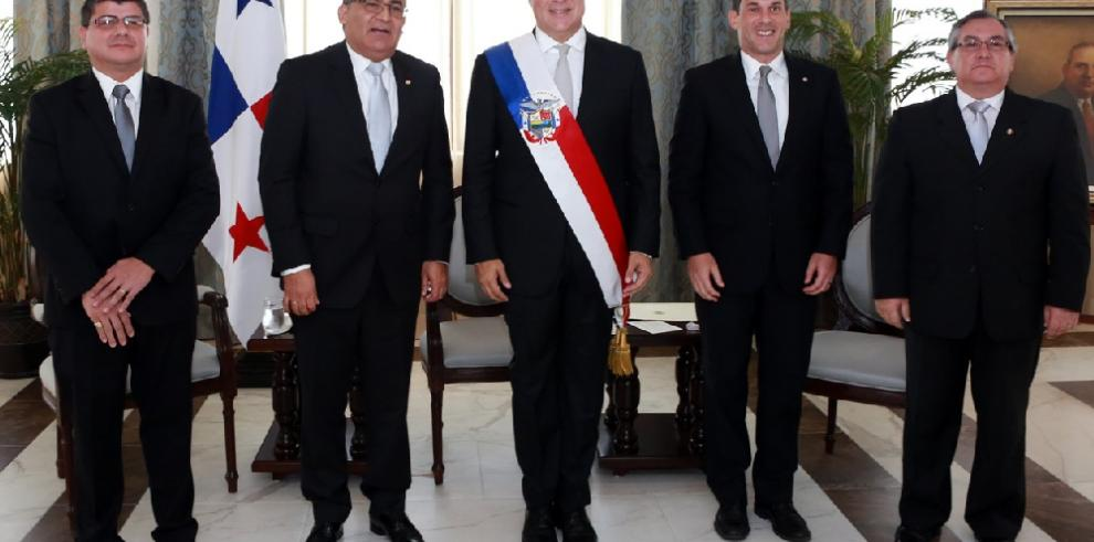 Presidente Varela recibe cartas credenciales de tres embajadores