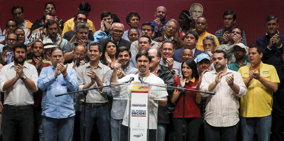 Defensoría venezolana denuncia creación de Estado paralelo por la oposición