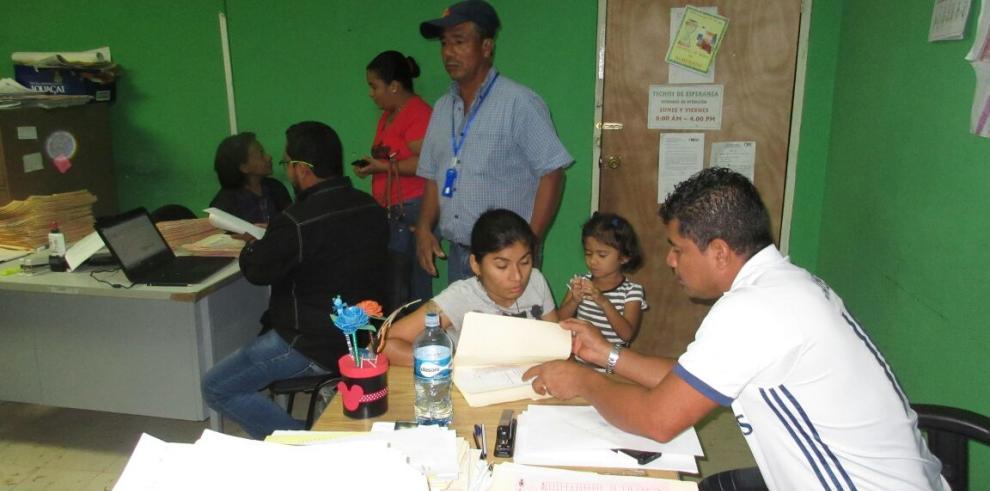 Miviot continúa procesos de evaluación a familias veragüenses