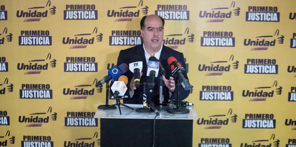 Oposición venezolana pide refinanciardeuda externa