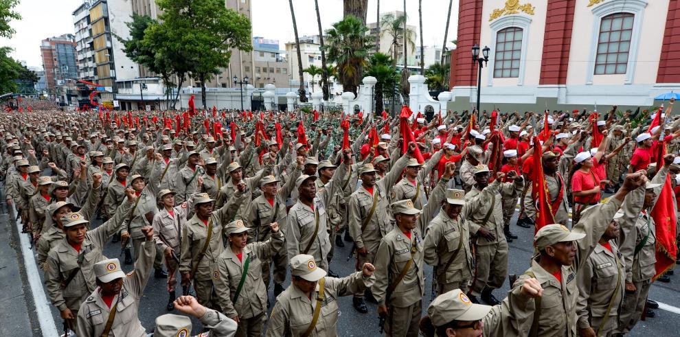La oposición venezolana pide al ejército permitir la marcha de mañana