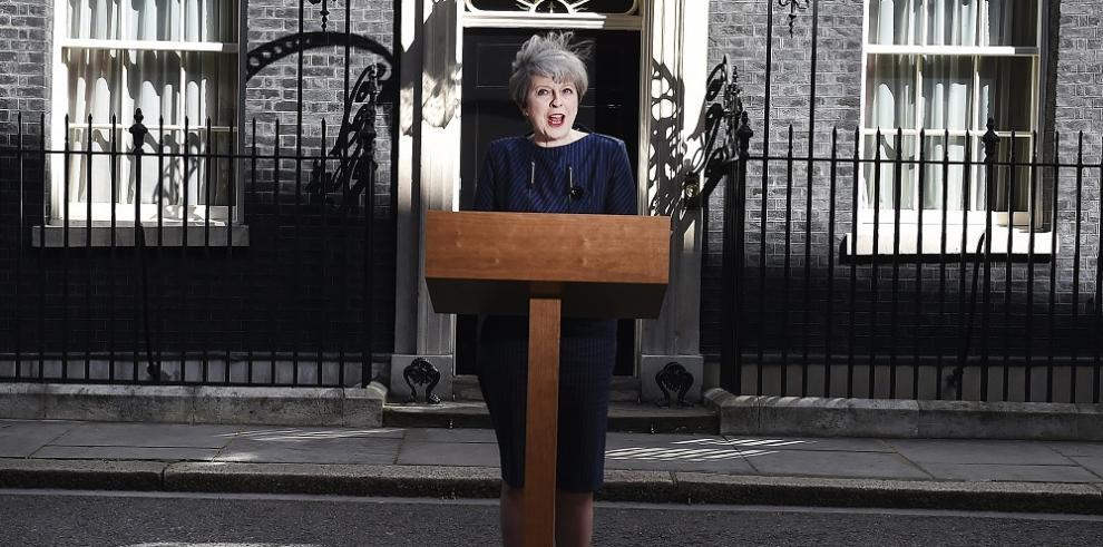 Primera ministra anuncia elecciones anticipadas en el Reino Unido