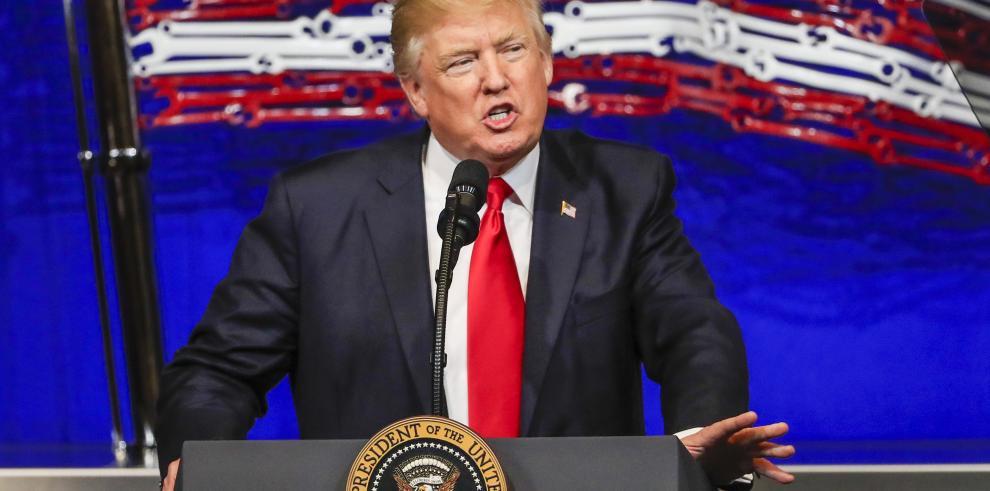 Trump firma orden ejecutiva que reforma visados de profesionales
