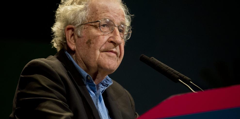 Chomsky teme que se desate una guerra nuclear durante el mandato de Trump