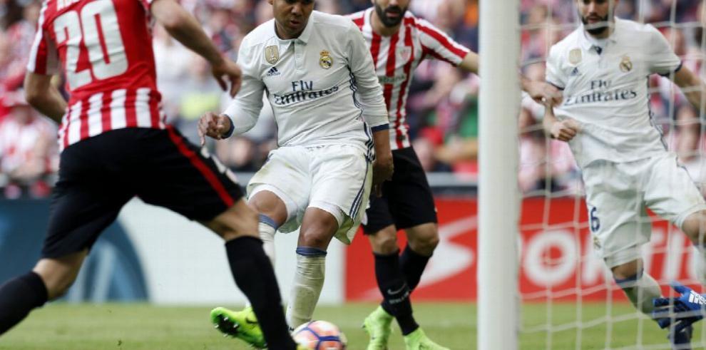 Gana el Real Madrid, a la espera el Barça