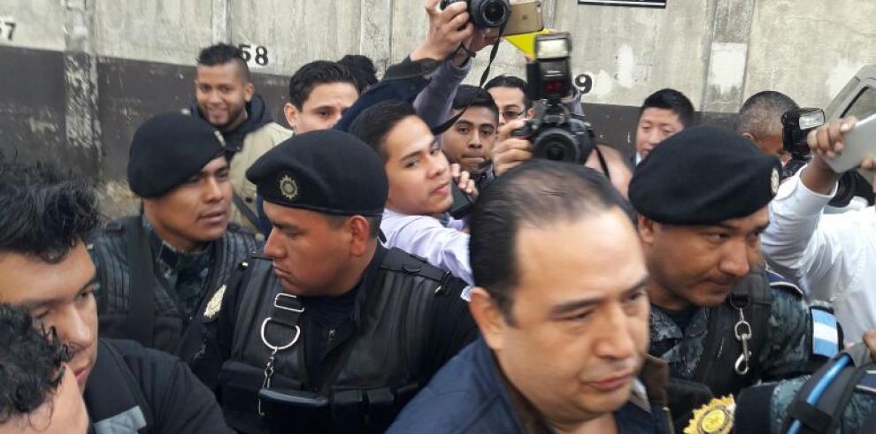 Arrestan al hermano del presidente de Guatemala por corrupción