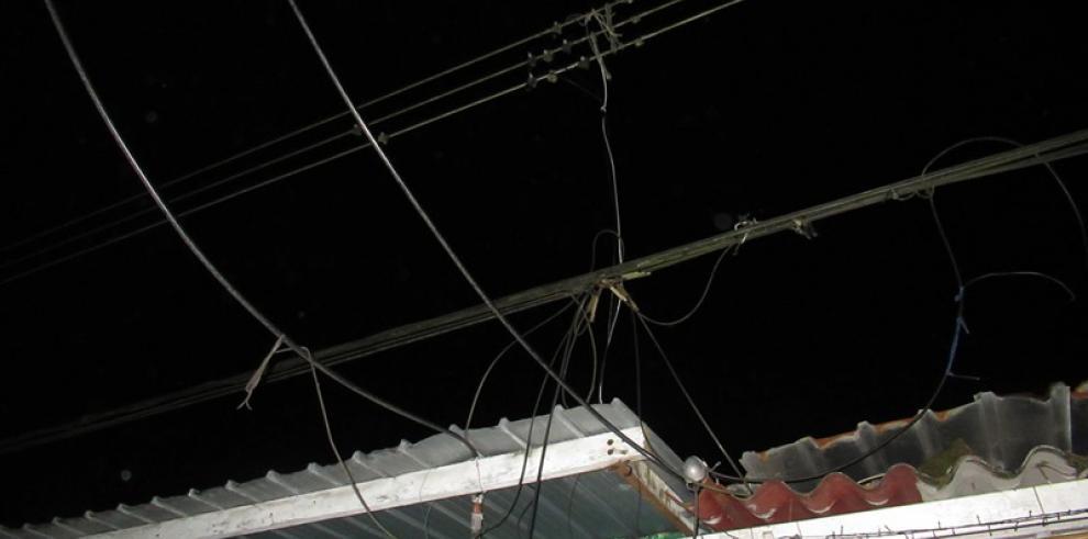 Hurto de energía provocó incendio en Colón