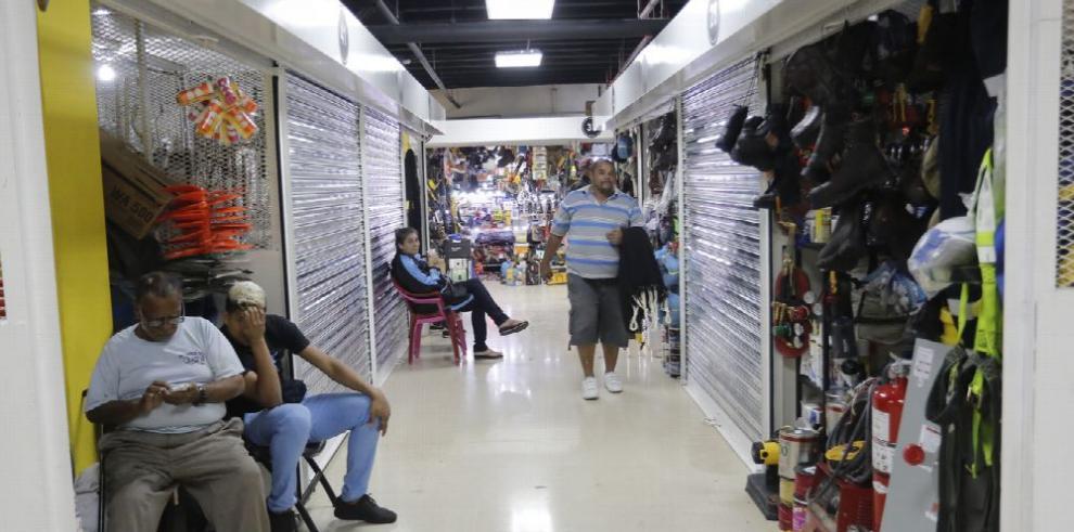 Buhoneros, artesanos y el reordenamiento del espacio público