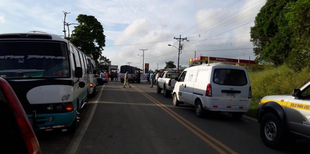 En Tortí cierran la vía Panamericana y piden que reabran elMinsa-Capsi