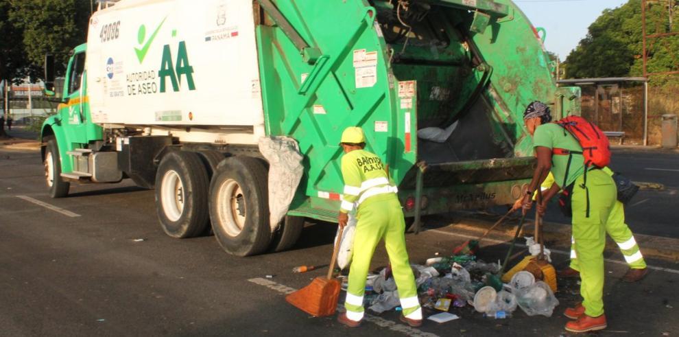 AAUD sanciona a 44 empresas por mala disposición de la basura