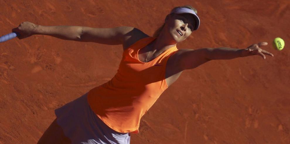 Sharapova reacciona y vence a Mirjana Lucic