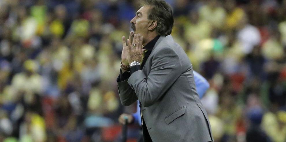 Ricardo La Volpe anuncia su salida del club América