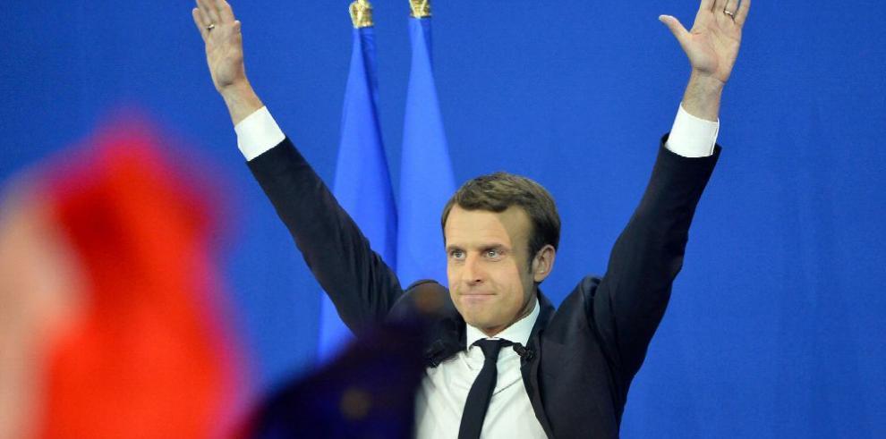 Francia escoge al presidente más joven de su historia
