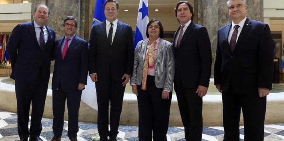 Panamá-EE.UU. renuevan relaciones, dice Varela