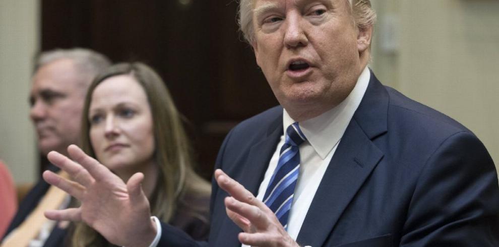 Trump 'hace pública' información fiscal