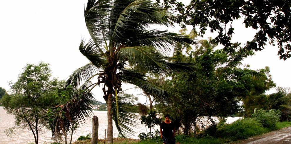 Impacto de ciclón Katia deja al menos dos muertos en el este de México