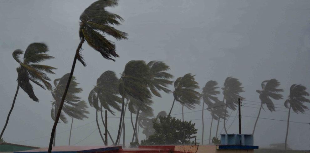 Irma causa primeros daños en Cuba, donde hay más de un millón de evacuados
