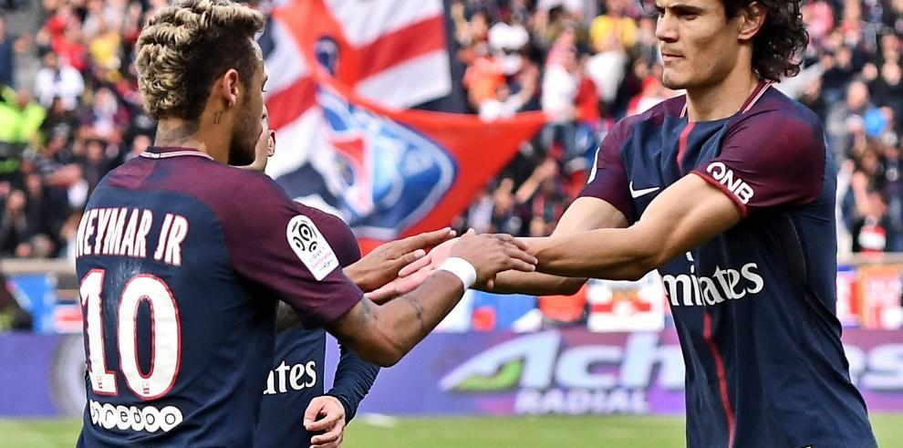 Cavani sobre Neymar: Son cosas del fútbol, se arreglan en vestuario