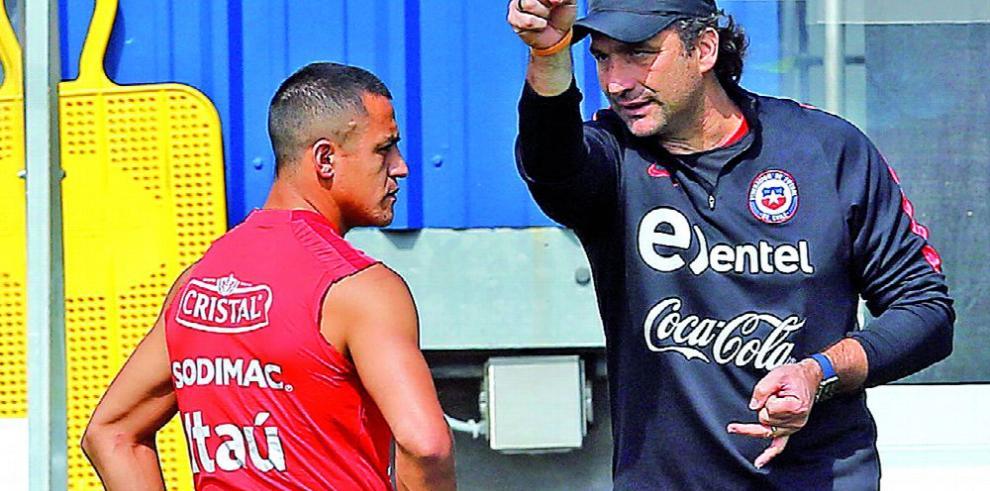 Chile entrena para dos encuentros vitales