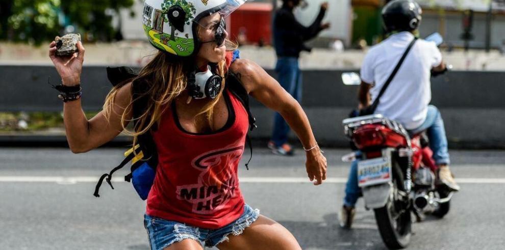 Muere otro hombre y se eleva a 111 los muertos durante protestas en Venezuela