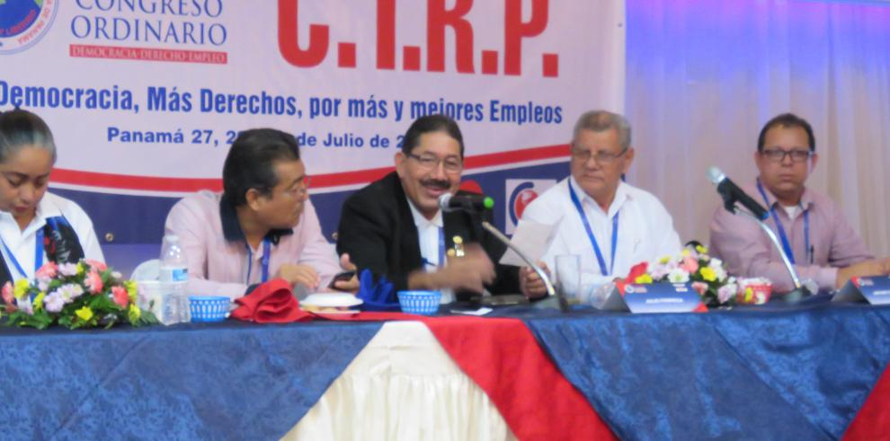 Congreso General reelige a Guillermo Puga en la CTRP hasta el 2021