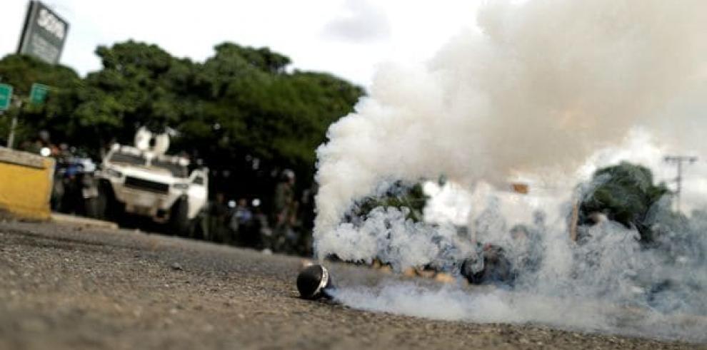 Mueren otras 2 personas por disparos durante protestas en Venezuela
