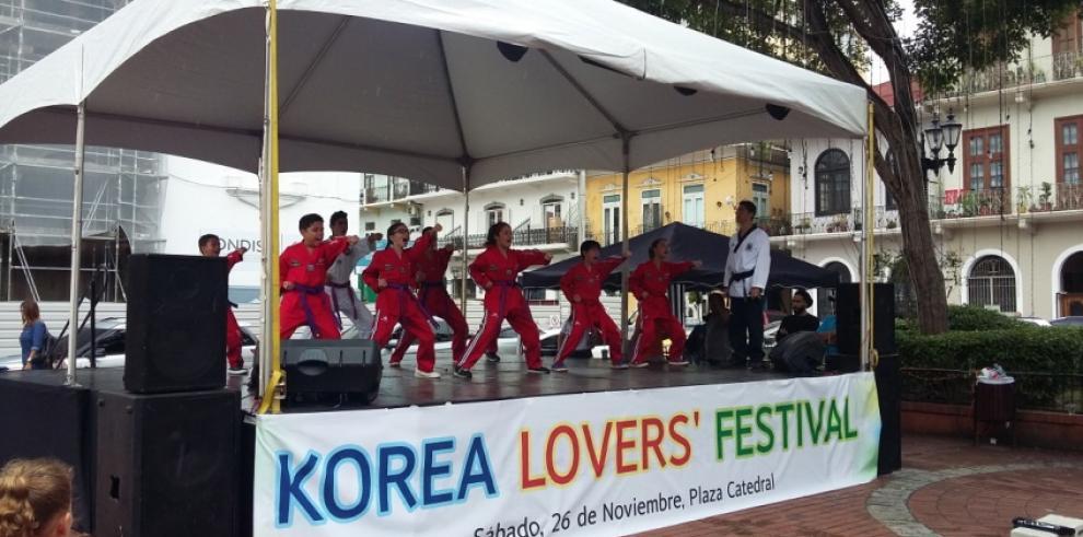 Festival de música, baile y cultura coreana se toma la Cinta Costera