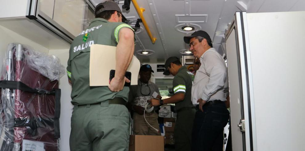 Minsa recibe nuevo grupo de ambulancias