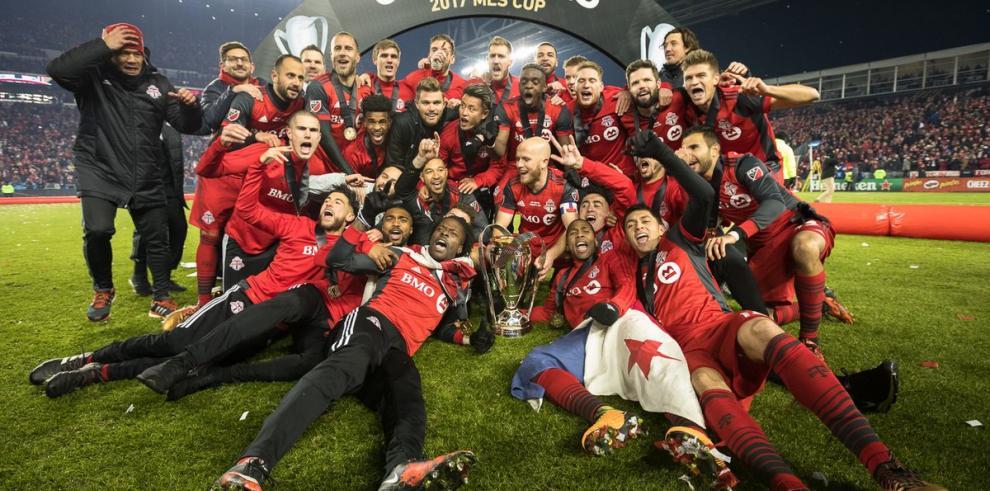 Armando Cooper se corona campeón de la MLS con el Toronto FC