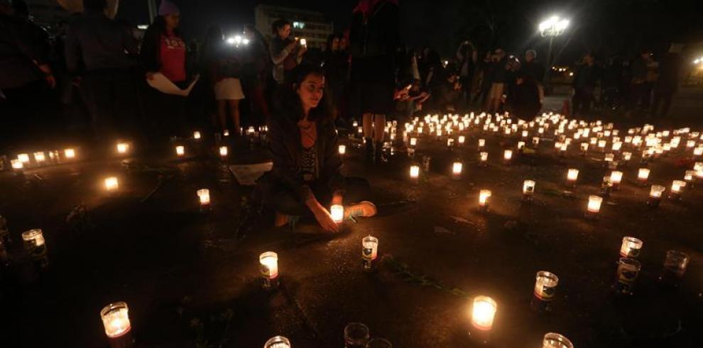 Suben a 28 las niñas muertas por incendio en centro de menores