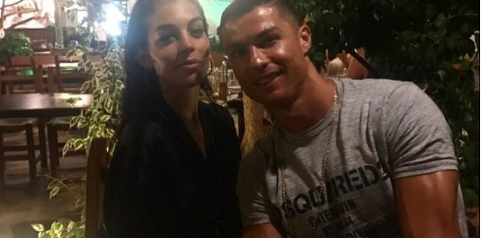 Novia de Cristiano Ronaldo, confirma su embarazo
