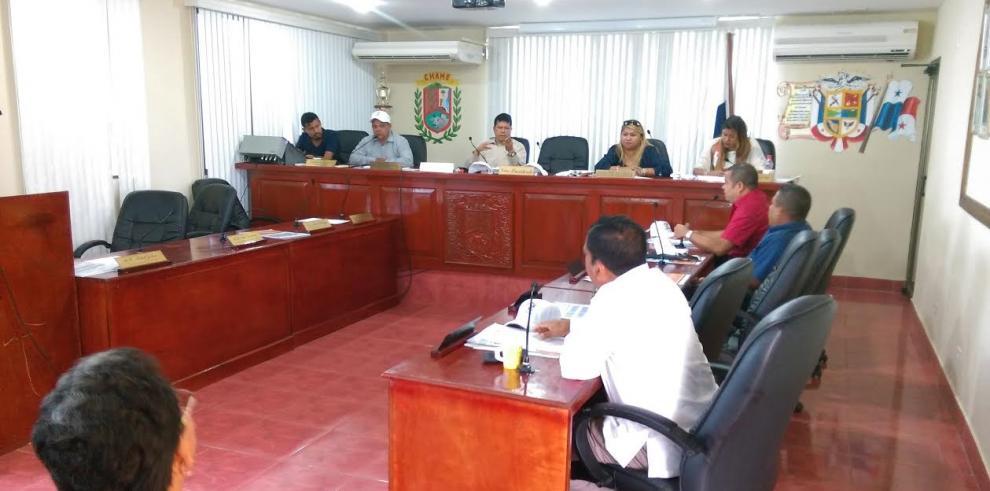 Miviot llega acuerdo con moradores de Chame en conflicto de tierra