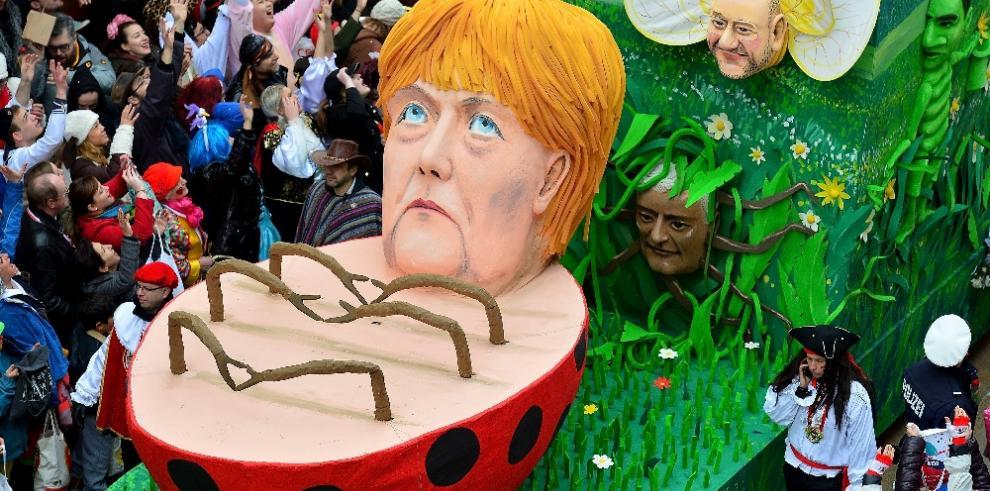 Curiosos carros alegóricos para el Carnaval en Alemania