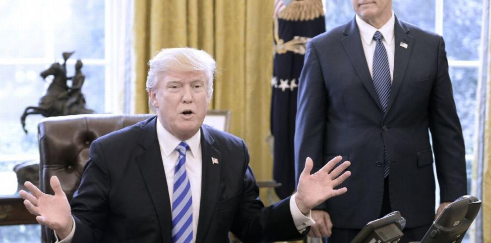 Trump retira ley de salud con primer fracaso legislativo